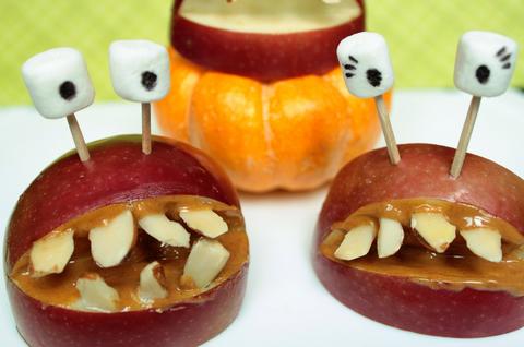 Epleskiver gir eplesmil til Halloween